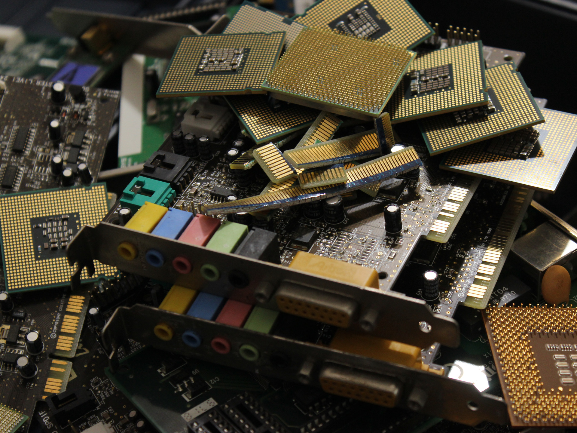 PCB Circuit Boards promoting e-waste recycling